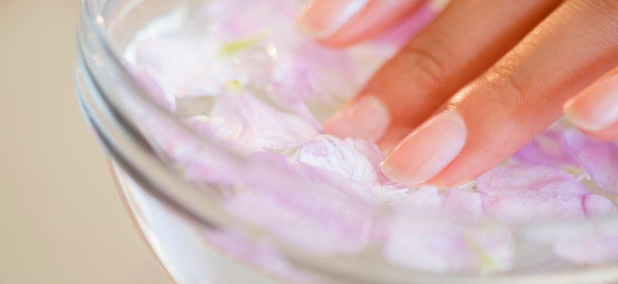 Лечение слоящихся ногтей народными средствами.