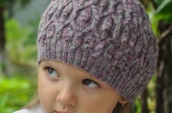 Красивая шапочка-берет для девочки