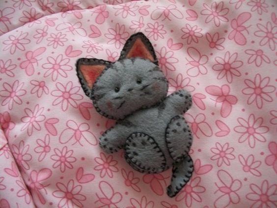 Котик из фетра