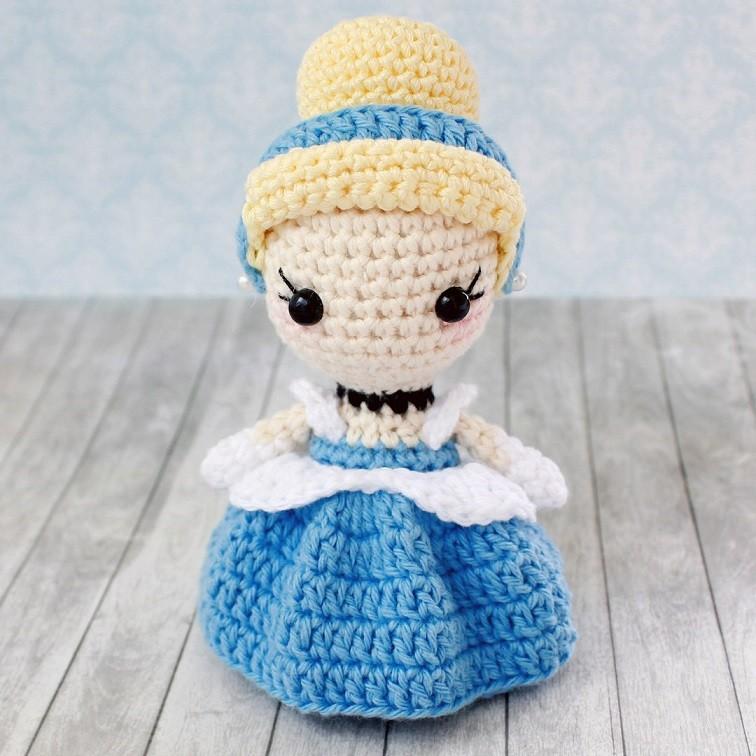 Кукла амигуруми