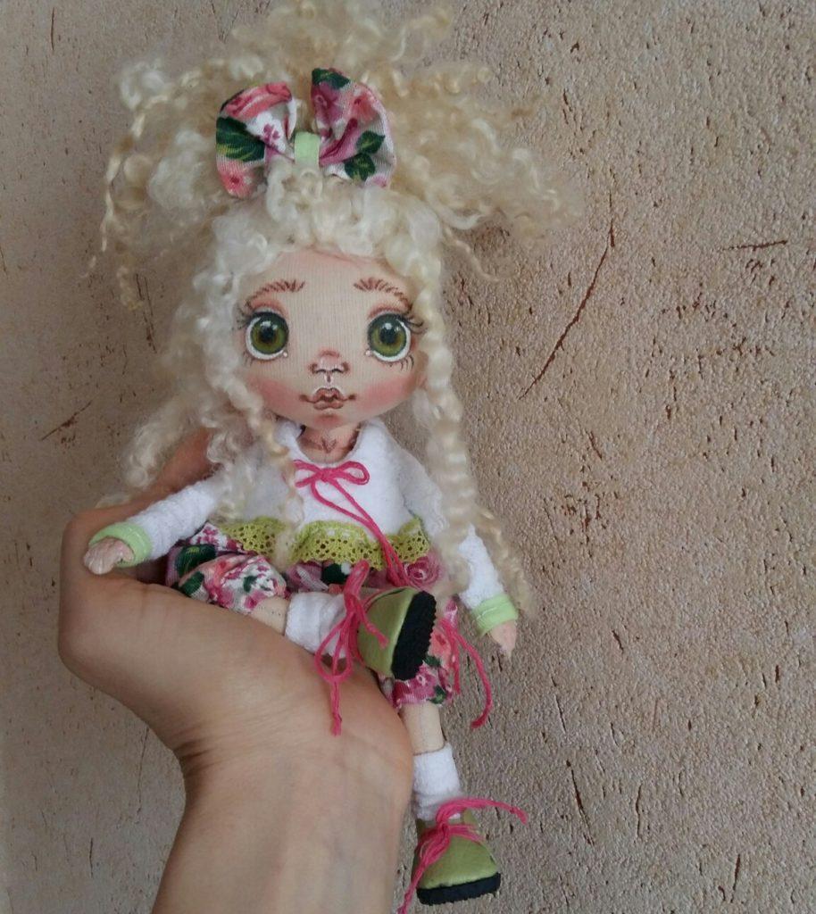 Текстильная интерьерная кукла